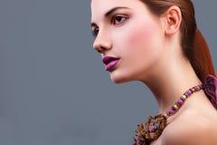 Portrait der schönen sinnlichen Frau Lizenzfreie Stockfotos