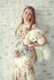Portrait der schwangeren Frau Lizenzfreie Stockfotos