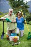 Portrait des ajouter supérieurs au divers équipement de jardinage Photos libres de droits