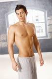 Portrait des athletischen Kerls Stockbild