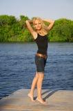 Portrait des attraktiven blonden Mädchens Lizenzfreie Stockfotografie