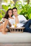 Portrait des couples dans l'amour des vacances Photo libre de droits
