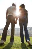 Portrait des couples de touristes à Londres. images stock