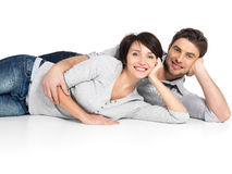 Portrait des couples heureux d'isolement sur le blanc Photos libres de droits