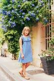 Portrait des entzückenden kleinen Mädchens Lizenzfreie Stockbilder
