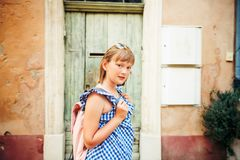Portrait des entzückenden kleinen Mädchens Stockbild