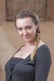 Portrait des femmes d'une chevelure assez brunes Photo libre de droits