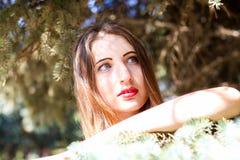Portrait des jeunes femmes attirantes avec l'aspect non standard Images libres de droits