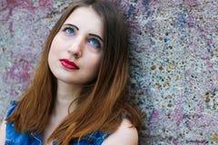Portrait des jeunes femmes attirantes avec l'aspect non standard Image libre de droits