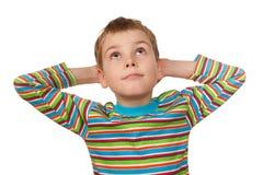 Portrait des Jungen auf weißem Hintergrund, lächelnd Lizenzfreie Stockfotografie