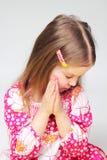 Portrait des jungen betenden Mädchens Lizenzfreie Stockfotos