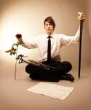 Portrait des junger Mann Sepiahintergrundes. Liebe und Lizenzfreies Stockfoto