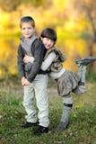 Portrait des kleinen Jungen und des Mädchens Lizenzfreie Stockfotografie