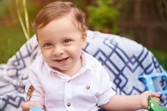 Portrait des kleinen lächelnden Jungen Lizenzfreies Stockbild