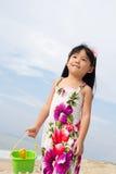 Portrait des kleinen Mädchens auf Strand Lizenzfreie Stockbilder