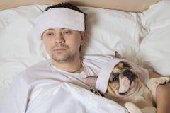 Portrait des kranken Mannes Stockfotos