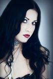 Portrait des Mädchens in der gotischen Art Lizenzfreie Stockfotografie