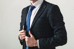 Portrait des mains croisées d'un Président beau image stock