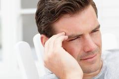 Portrait des mittleren gealterten Mannes draußen Lizenzfreies Stockfoto