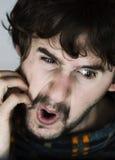 Portrait des nervösen jungen Mannes Stockfotografie