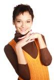 Portrait des schönen Brunette in einem braunen swea Stockfoto