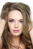 Portrait des schönen hübschen Gesichtes des jungen Mädchens Stockfotografie