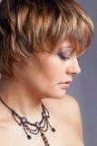 Portrait des schönen Mädchens, Studio Lizenzfreie Stockfotos