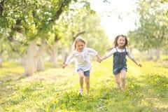 Portrait des soeurs de petites filles Photos libres de droits