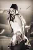 Portrait des Stiftes herauf Mädchen reizvollen Stewardess   Lizenzfreie Stockfotografie