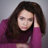 Portrait des traurigen schönen Mädchens lizenzfreie stockbilder