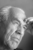 Portrait des wehmütigen Älteren Stockfotografie
