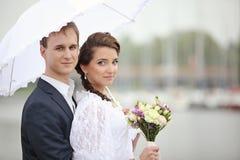 Portrait du rétro mariage de jeune homme et de femme Image libre de droits
