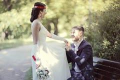 Portrait du rétro mariage de jeune homme et de femme Photo libre de droits