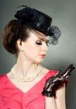 Portrait einer Dame in einem Hut mit Schleier Lizenzfreie Stockfotos