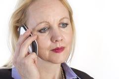 Portrait einer erwachsenen schönen Geschäftsfrau. Lizenzfreie Stockfotos