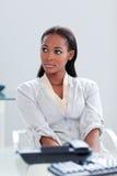Portrait einer ethnischen Geschäftsfrau lizenzfreie stockbilder
