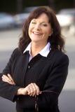 Portrait einer fälligen Geschäftsfrau Lizenzfreies Stockfoto