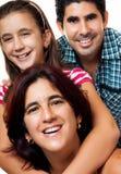 Portrait einer glücklichen hispanischen Familie Lizenzfreie Stockfotografie