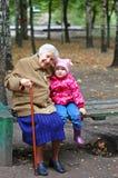Portrait einer Großmutter und der Enkelin Stockfoto