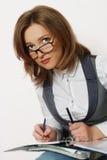 Portrait einer jungen attraktiven Geschäftsfrau stockbilder