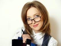 Portrait einer jungen attraktiven Geschäftsfrau stockfotos