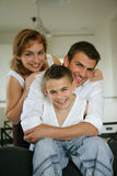 Portrait einer kleinen Familie stockbilder
