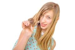 Portrait einer lächelnden Jugendlichen lizenzfreie stockfotos