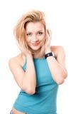 Portrait einer lächelnden schönen Blondine lizenzfreie stockfotografie