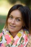 Portrait einer netten jungen Frau Lizenzfreie Stockfotografie