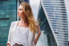 Portrait einer schönen Geschäftsfrau Stockfotos