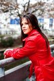 Portrait einer schönen jungen Frau stockfotos