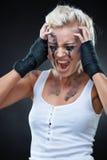 Portrait einer schönen jungen Punkfrau Lizenzfreies Stockfoto