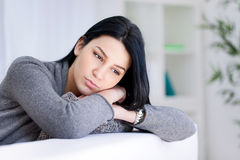 Portrait einer traurigen Frau Lizenzfreies Stockfoto