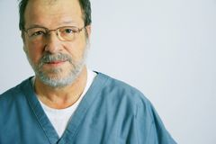 Portrait eines älteren Doktors Lizenzfreie Stockfotografie